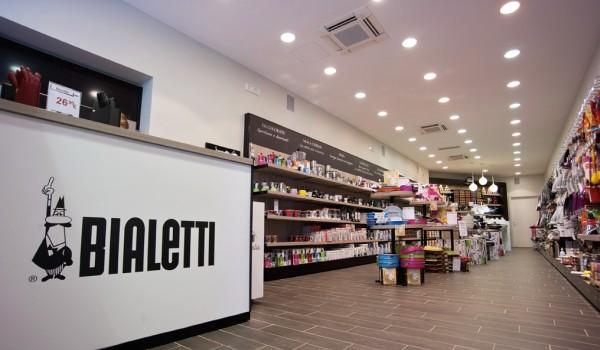 Campania: addetti vendita al centro commerciale