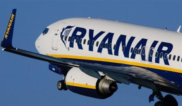 Ryanair: selezioni in Puglia per assistenti di volo