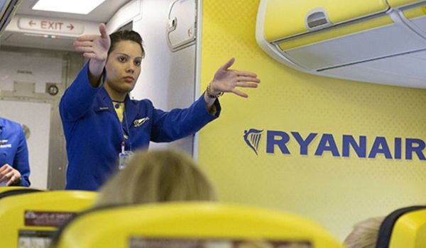 Campania: a dicembre selezioni per assistenti di volo