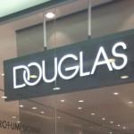 Sicilia, lavoro per commessi ed estetiste in profumerie Douglas