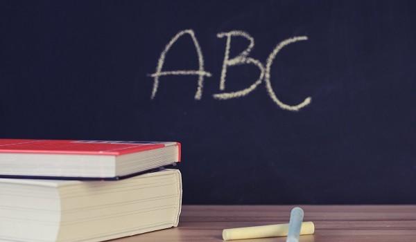 Lavoro Calabria nelle scuole: bando per personale ATA