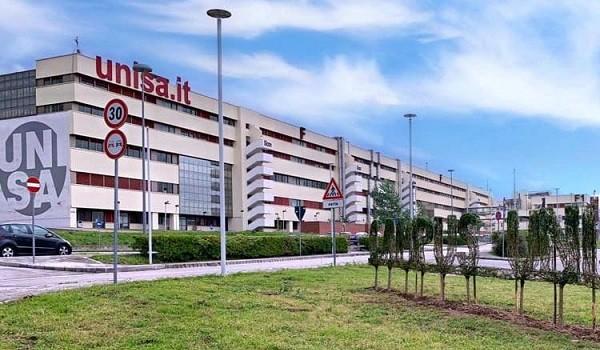 Lavoro Salerno, diplomati all'Università