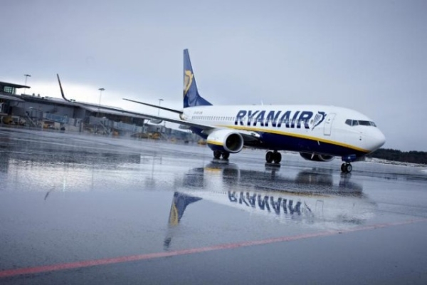 Ryanair, colloqui a Bari