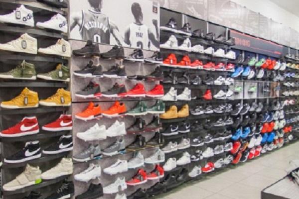 Calabria, al lavoro nei negozi Foot Locker: da Cosenza a Reggio
