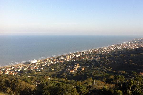 Abruzzo, concorso per lavorare in Comune a tempo indeterminato
