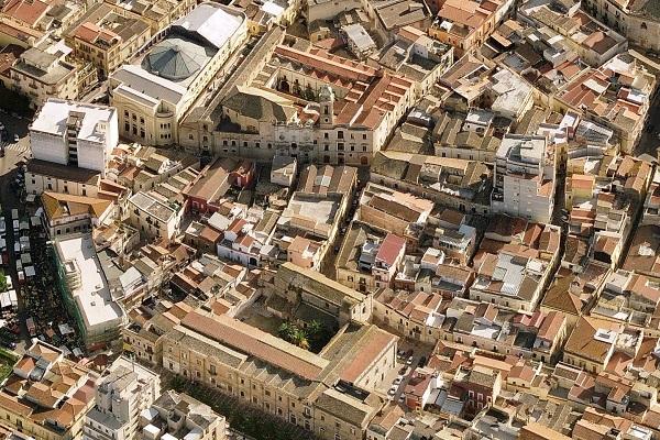 Concorsi per diplomati in Puglia: posti di lavoro a tempo indeterminato