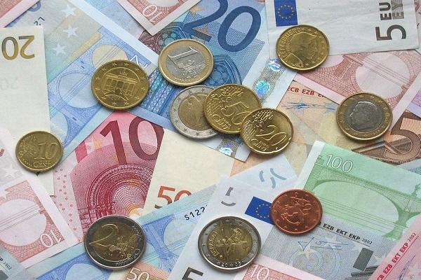 Lavoro Puglia: operatori di sportello in banca a tempo indeterminato